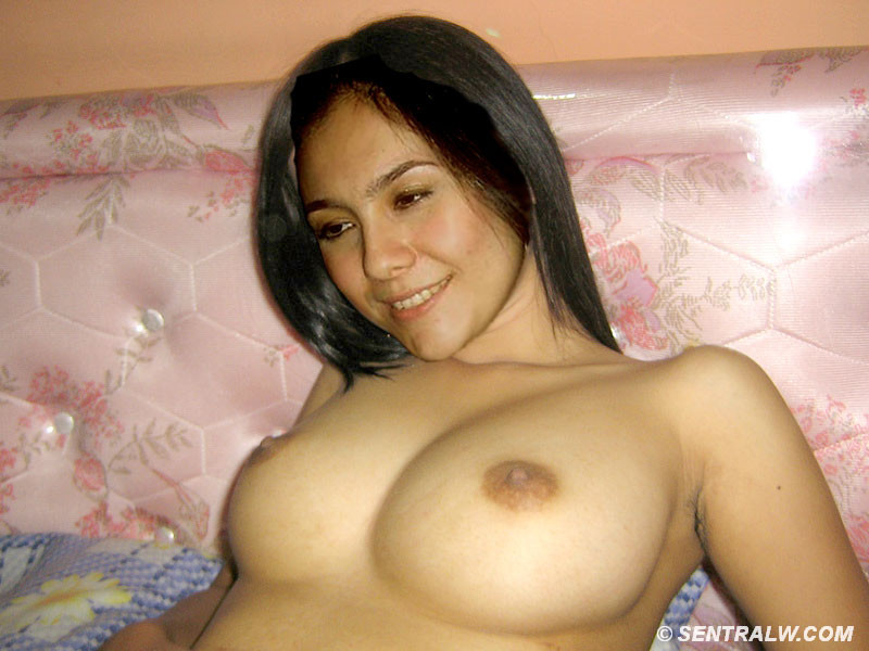 Foto artis indonesia hot xxx apologise, but